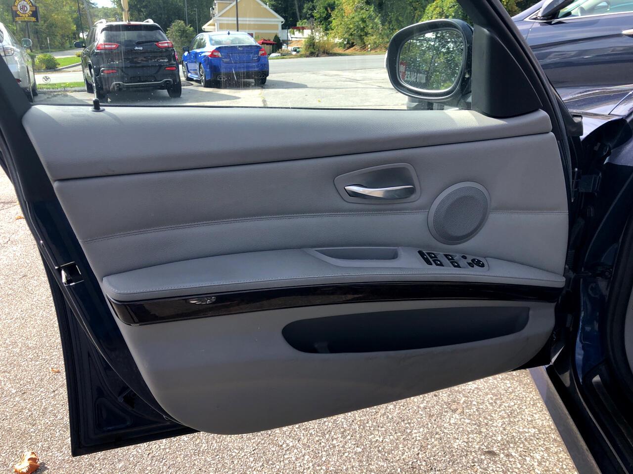 BMW 3 Series  2011