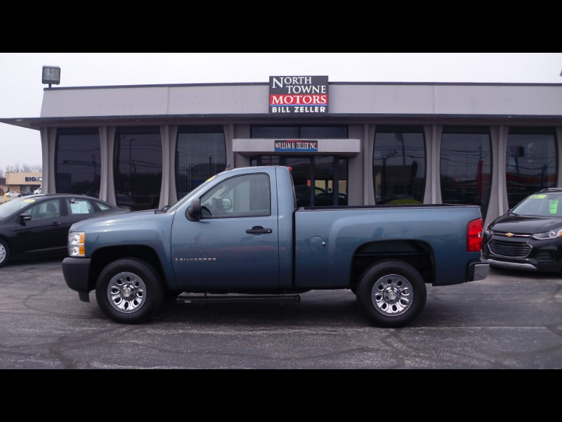 2009 Chevrolet Silverado 1500 Regular Cab Short Bed 2WD