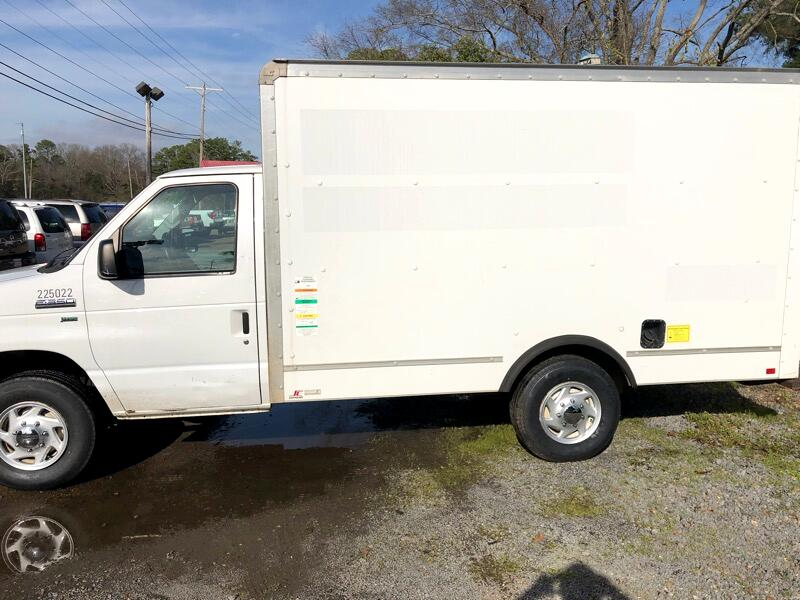 Ford Box Truck E-350 Super Duty 2012