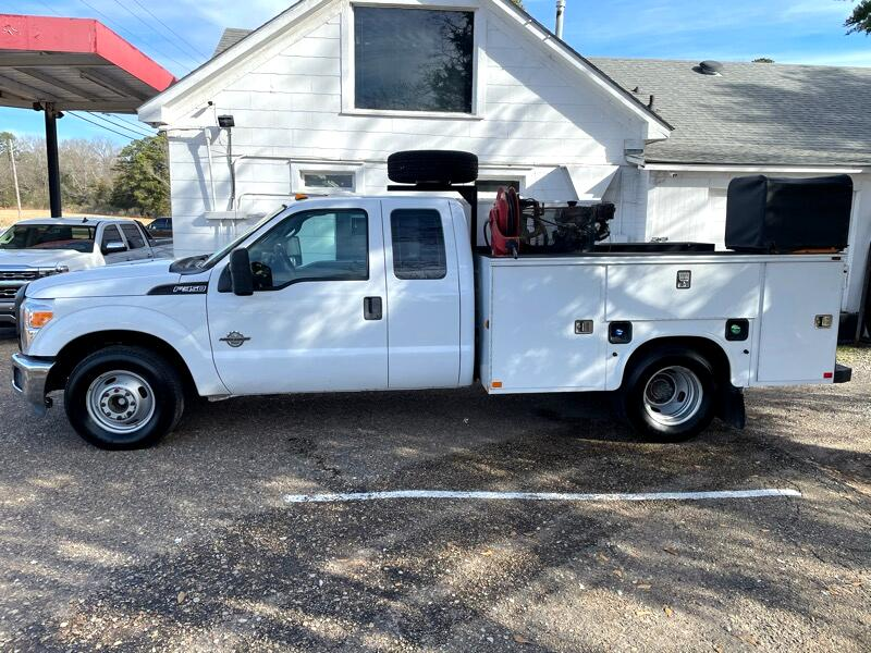 Ford F-350 SD Lariat SuperCab Long Bed DRW 2WD 2011