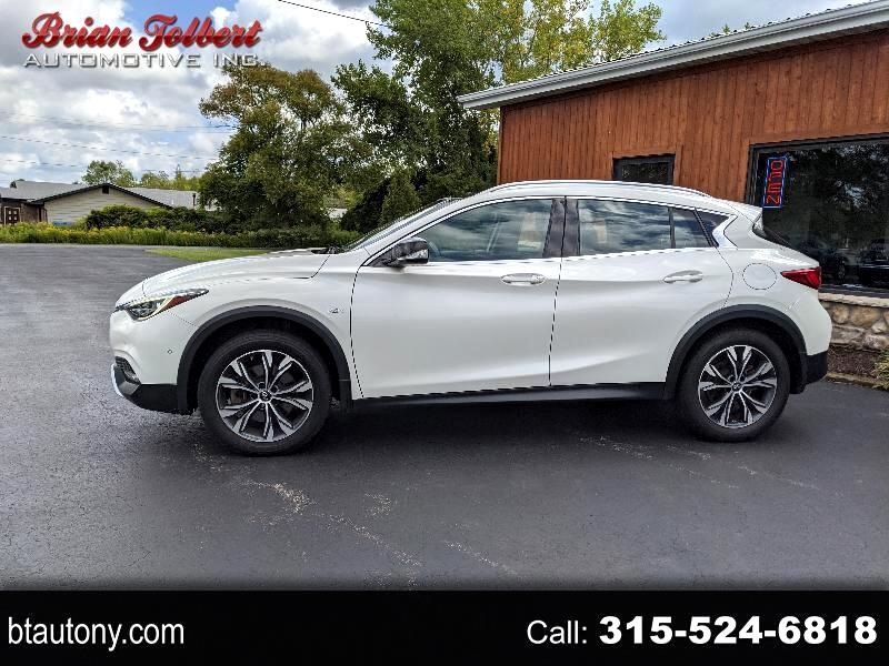 Infiniti QX30 Luxury AWD 2017