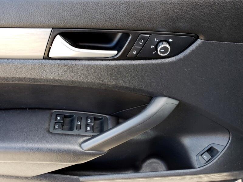 2015 Volkswagen Passat TDI SE 6A w/ Sunroof