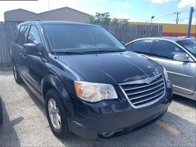 2008 Chrysler Town & Country Touring Minivan 4D