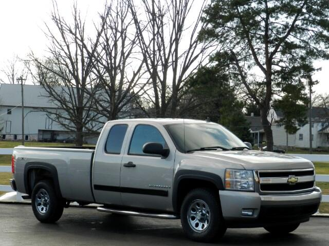 2008 Chevrolet Silverado 1500 LT1 Ext. Cab Long Box 4WD