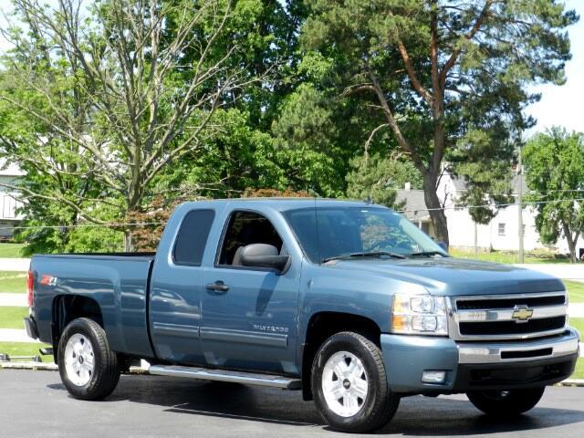 2011 Chevrolet Silverado 1500 LT Ext. Cab 4WD Z71