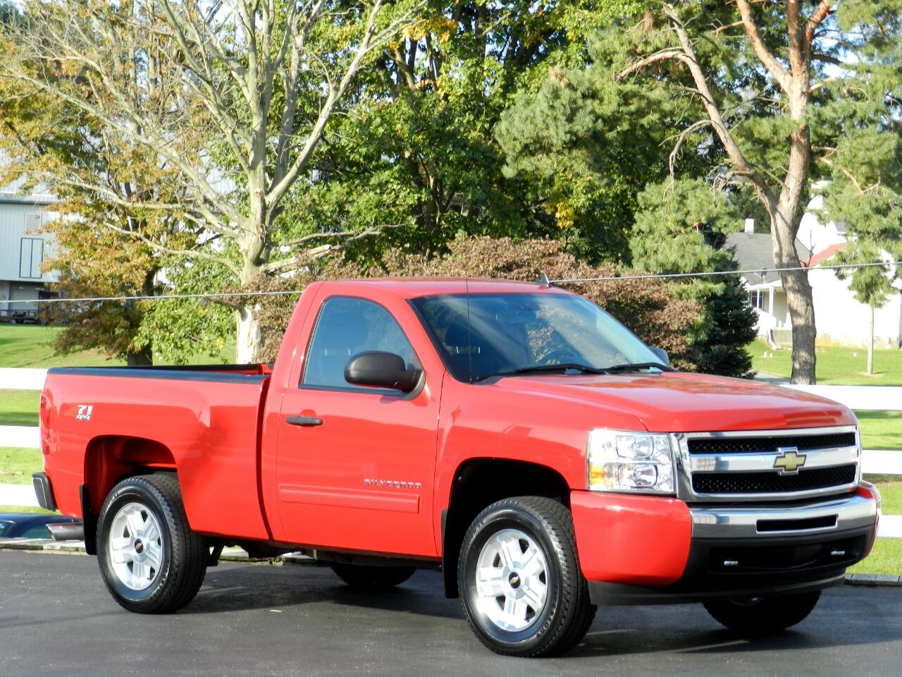 2011 Chevrolet Silverado 1500 Z71 Regular Cab Short Bed 4WD