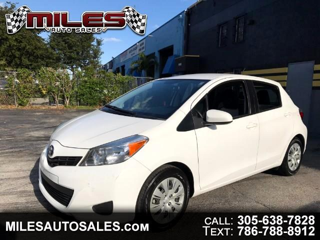 2013 Toyota Yaris Liftback 5-Door MT