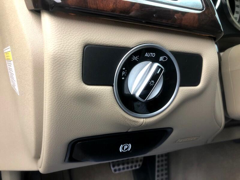 Mercedes-Benz CLS-Class CLS550 2013