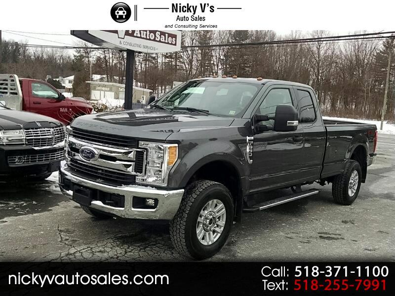2017 Ford Super Duty F-350 SRW Lariat 4WD SuperCab 8' Box