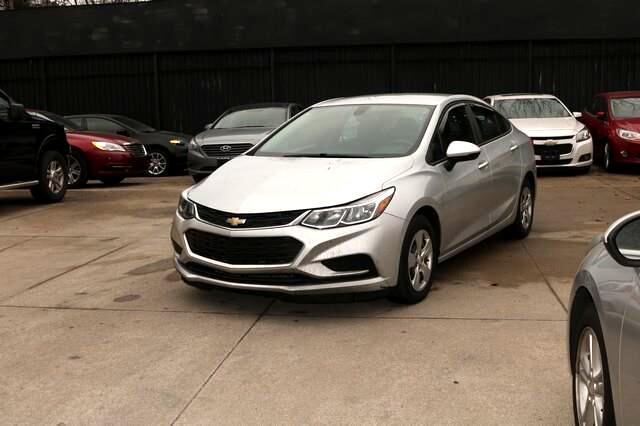 Chevrolet Cruze 4dr Sdn 1.4L LS w/1SB 2017