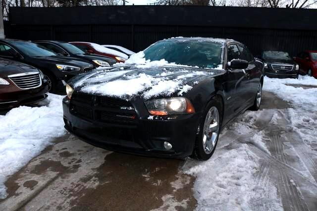Dodge Charger 4dr Sdn RT Plus RWD 2013