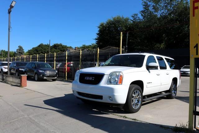 GMC Yukon XL 4WD 4dr 1500 SLT 2012