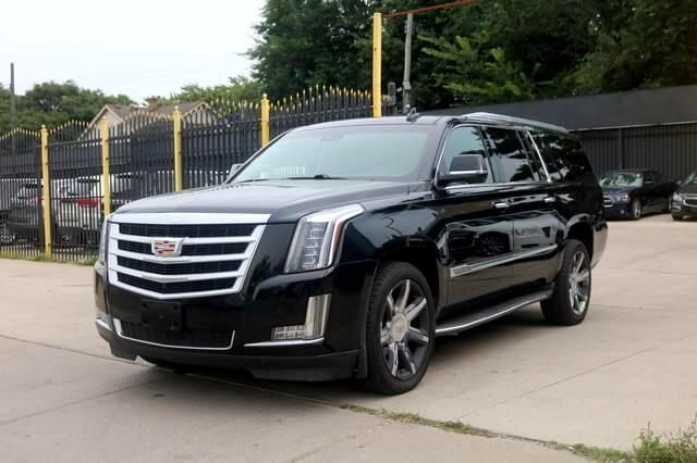 Cadillac Escalade ESV 4WD 4dr Luxury Collection 2016