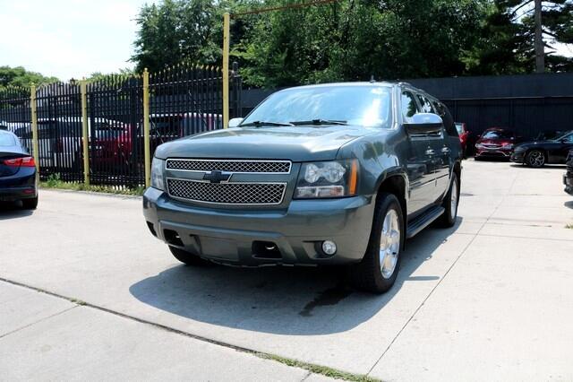 Chevrolet Suburban 4WD 4dr 1500 LTZ 2011