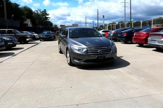 Ford Taurus 4dr Sdn SEL AWD 2013