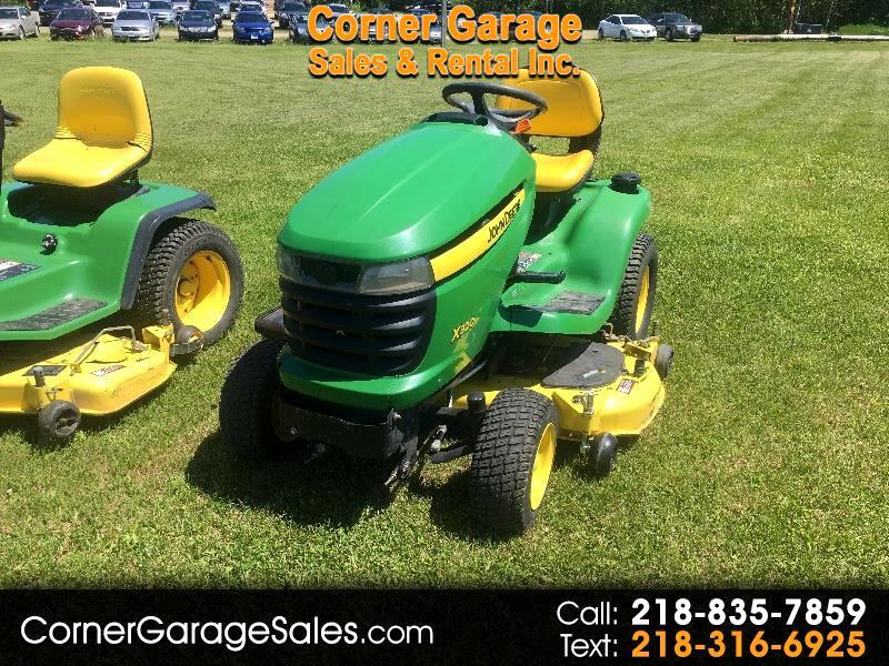 John Deere Tractor  2011