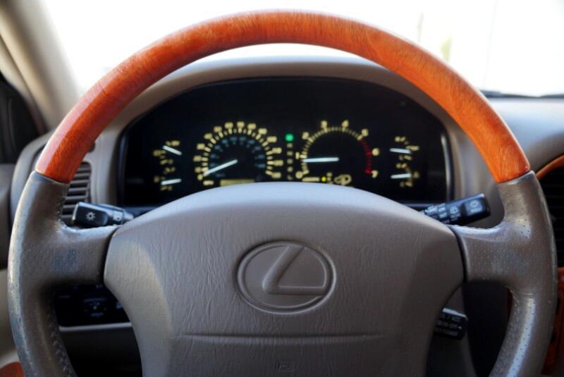 2000 Lexus LX 470