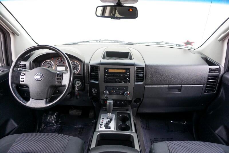 Nissan Titan 4WD Crew Cab SWB SE 2010