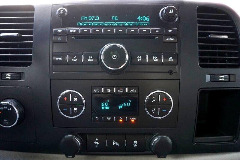 """Chevrolet Silverado 1500 4WD Crew Cab 143.5"""" LT 2011"""
