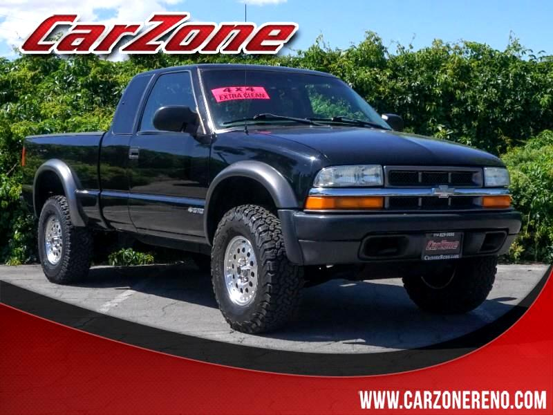 """2002 Chevrolet S10 Pickup Ext Cab 123"""" WB 4WD LS"""