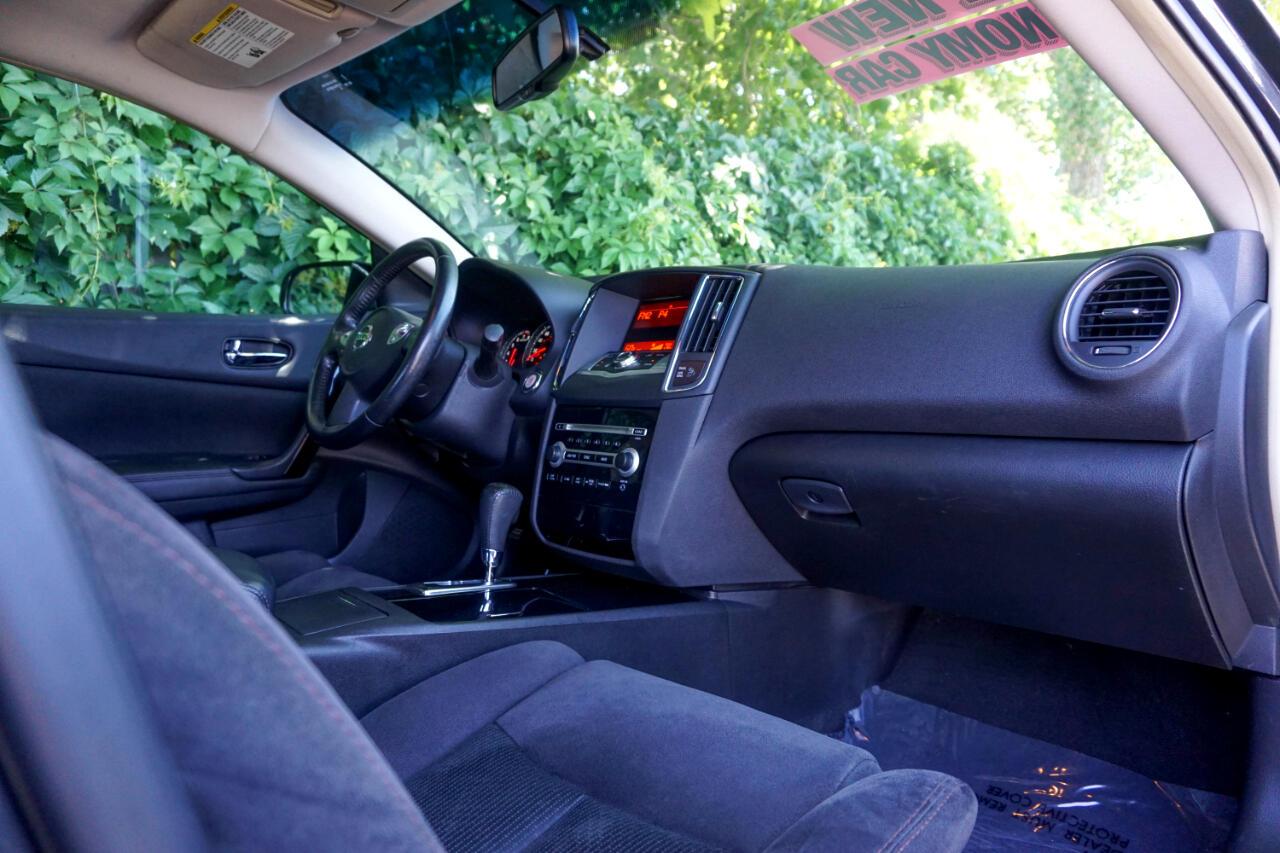 Nissan Maxima 4dr Sdn V6 CVT 3.5 S 2011