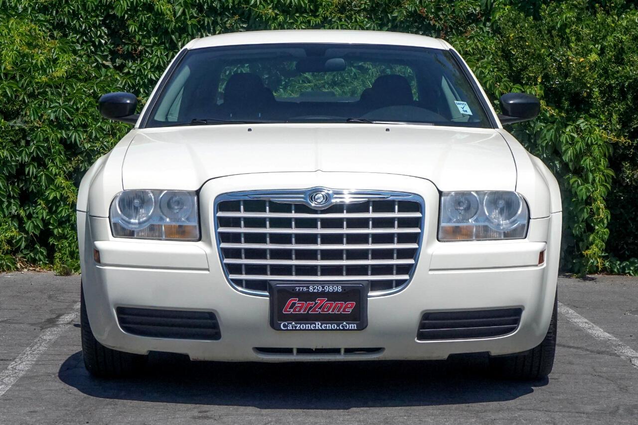 Chrysler 300 4dr Sdn 300 2006