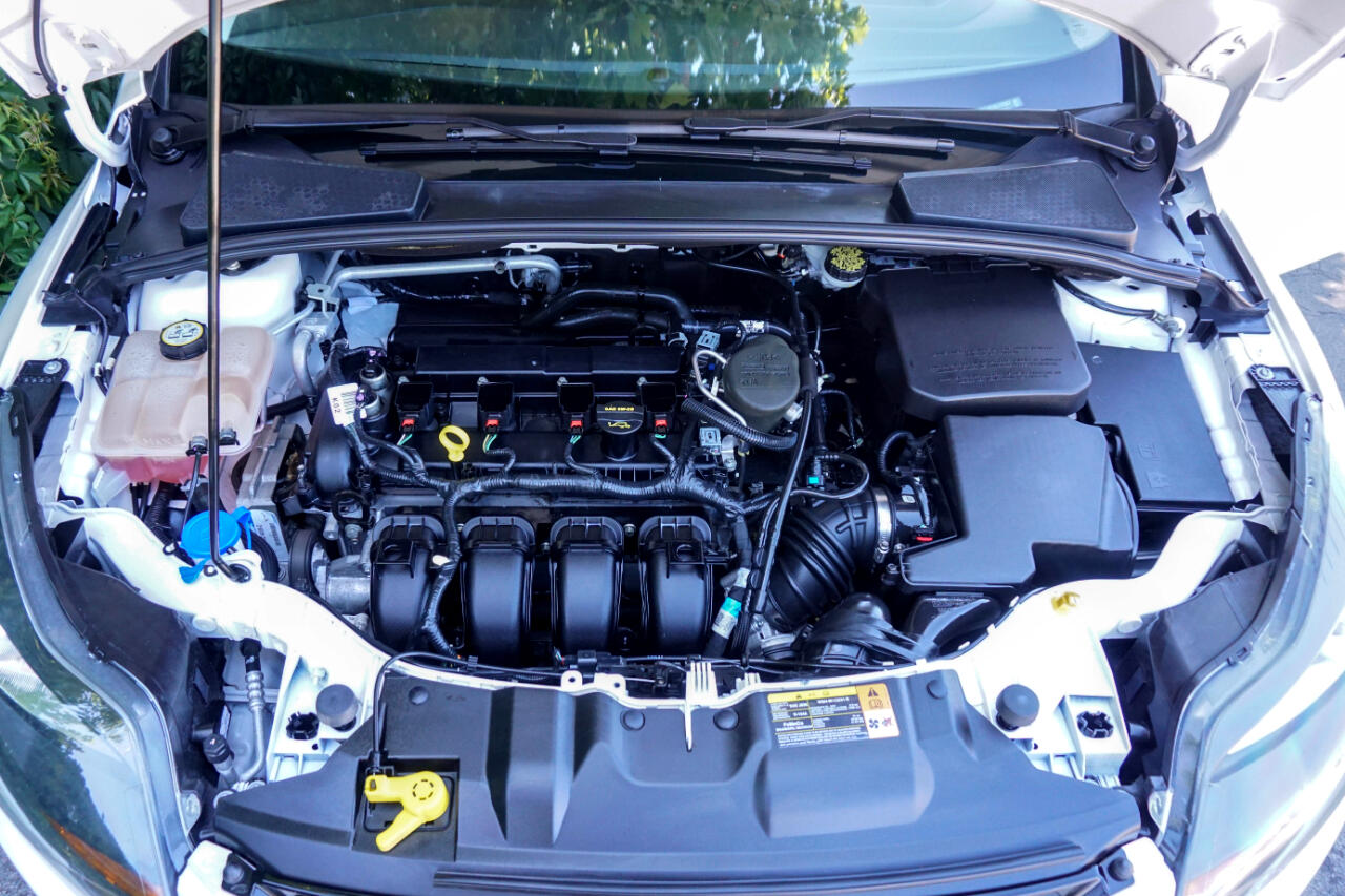 2013 Ford Focus 5dr HB Titanium