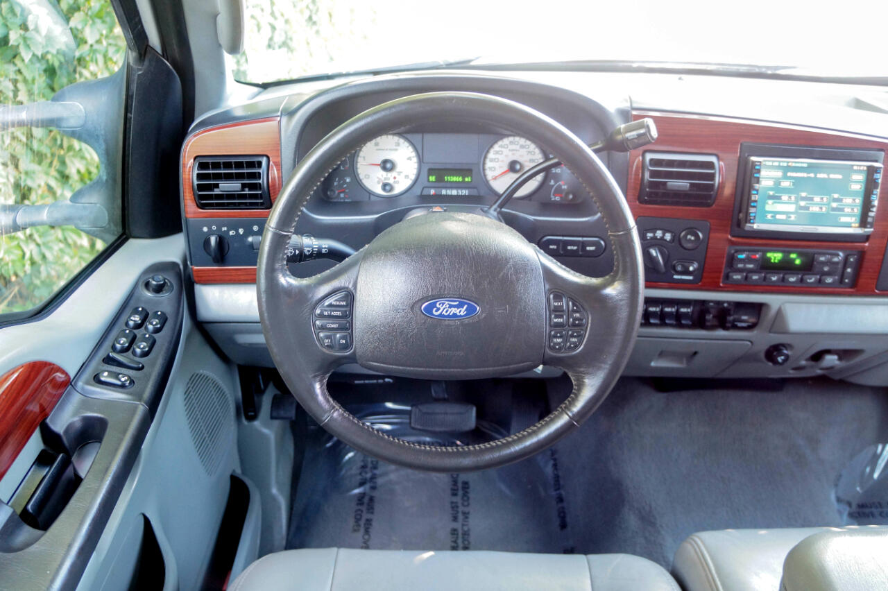 2006 Ford Super Duty F-350 SRW Crew Cab 156