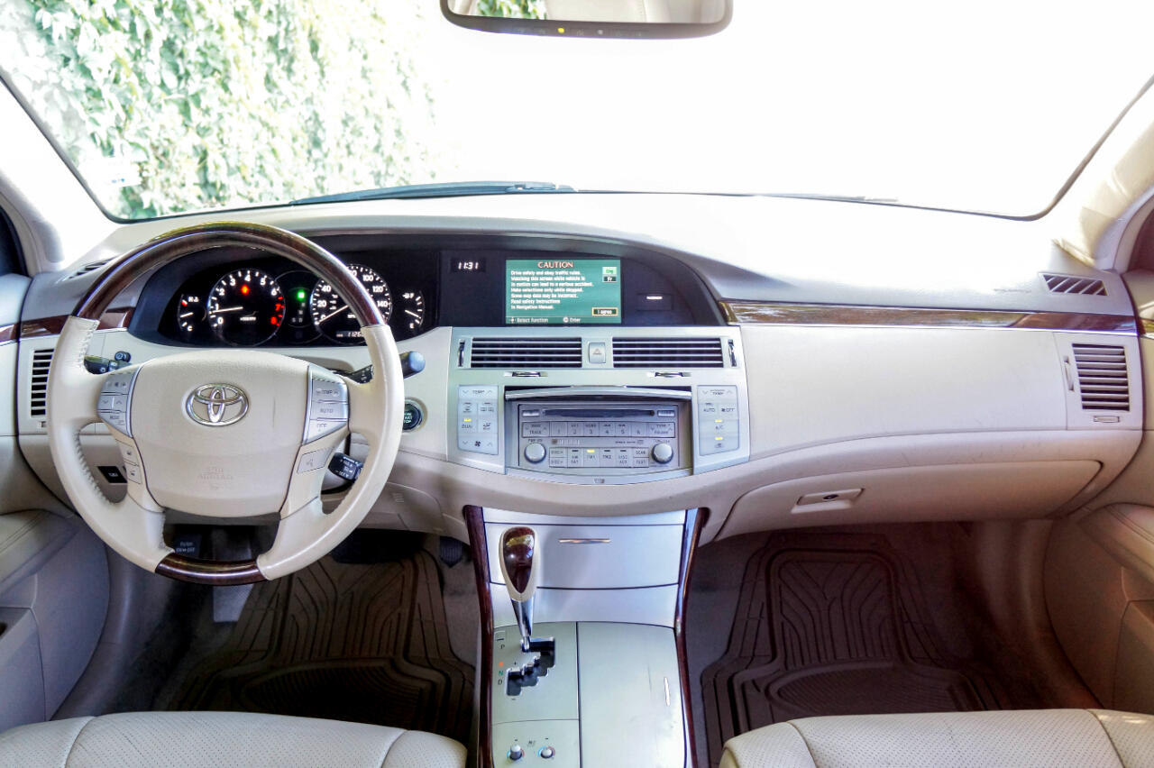 Toyota Avalon 4dr Sdn Limited (Natl) 2009