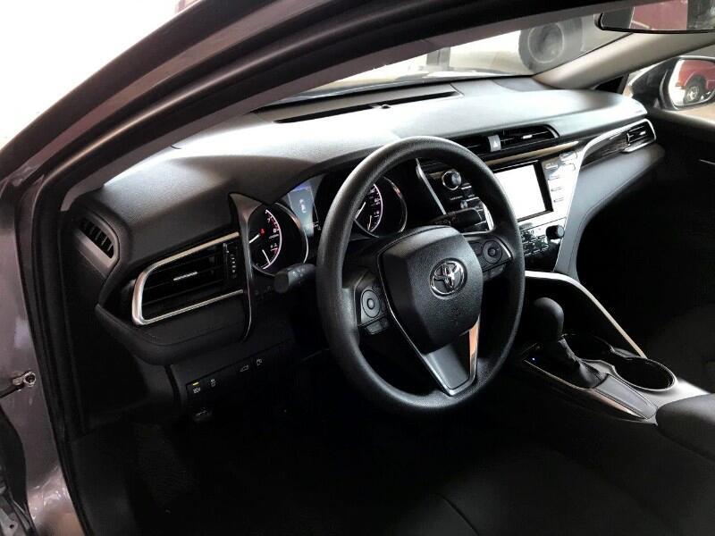 Toyota Camry LE Auto (Natl) 2018