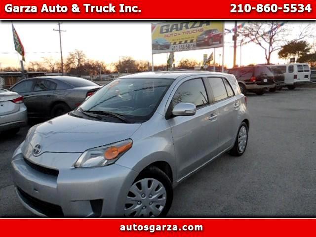 2013 Scion xD 5-Door Hatchback 4-Spd AT