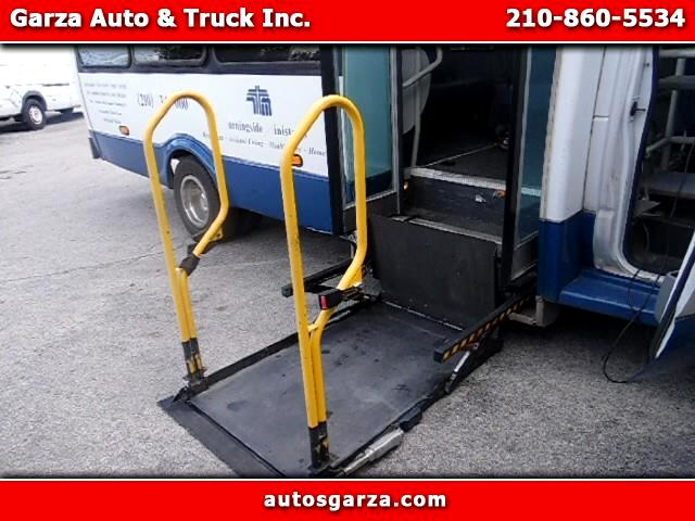 2003 Ford T150 Wagon Transport w/Wheelchair Lift