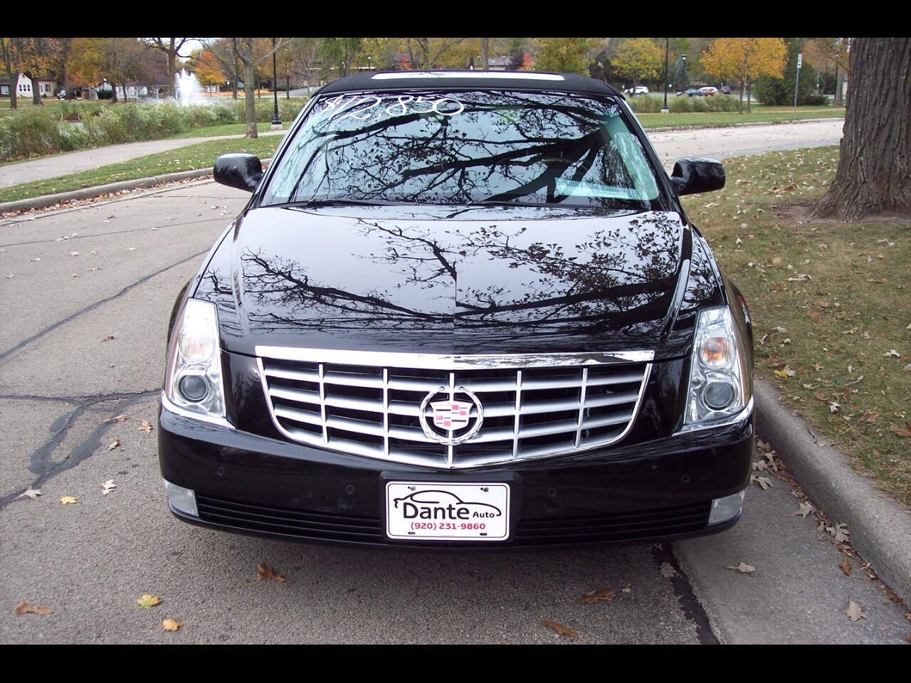 Cadillac DTS 4dr Sdn w/1SC 2010