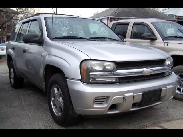 2004 Chevrolet TrailBlazer LS 4WD