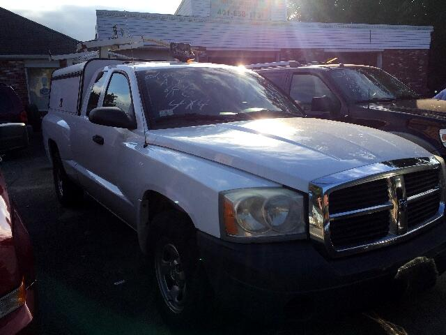 "2007 Dodge Dakota 4WD Club Cab 131"" ST"