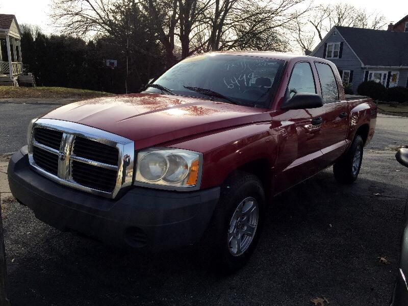 "2007 Dodge Dakota 4WD Quad Cab 131"" ST"