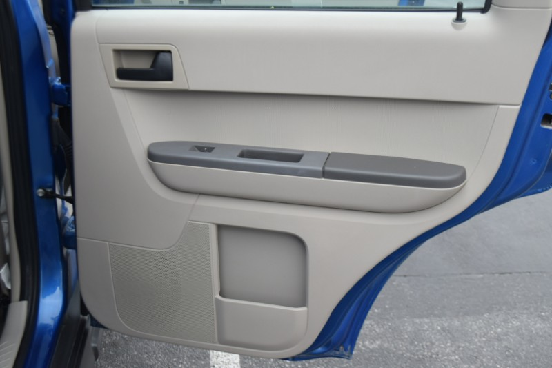 2011 Ford Escape XLS FWD