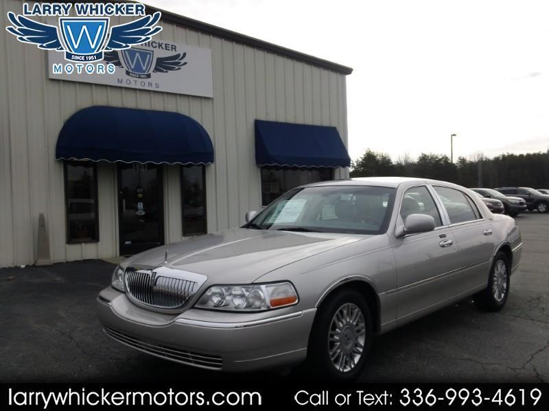 2007 Lincoln Town Car 4dr Sdn Signature Limited