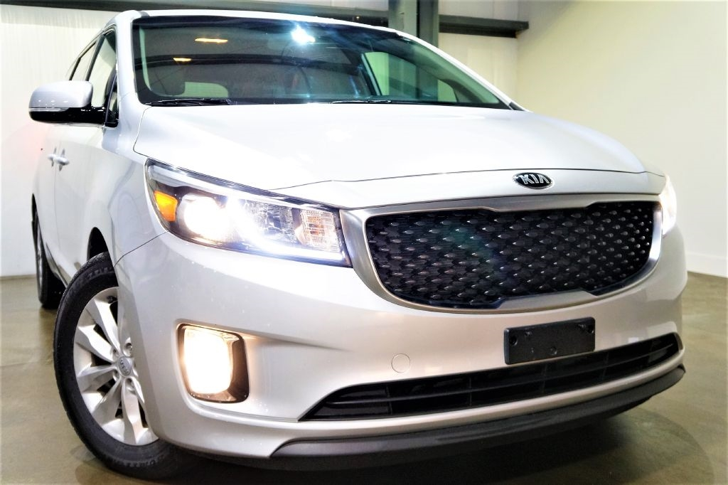 2016 Kia Sedona EX w/Premium Package & Rear Entertainment