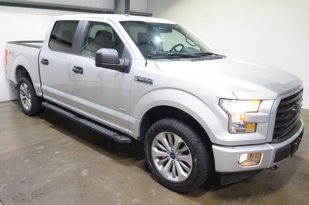 "Ford F-150 4WD SuperCrew 145"" STX 2017"