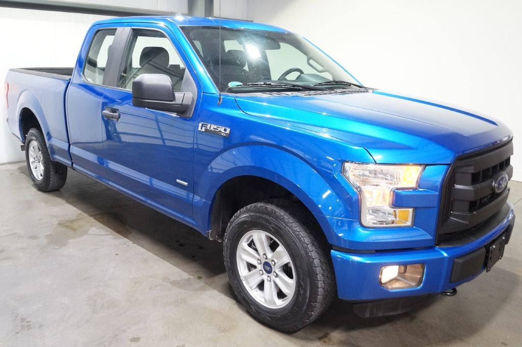 "Ford F-150 4WD SuperCab 145"" XL 2016"