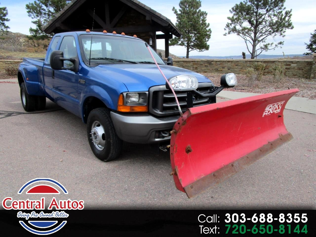 "2001 Ford Super Duty F-350 DRW Supercab 158"" Lariat 4WD"