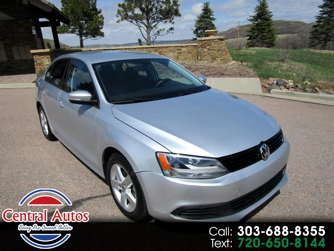 2012 Volkswagen Jetta Sedan 4dr Manual TDI