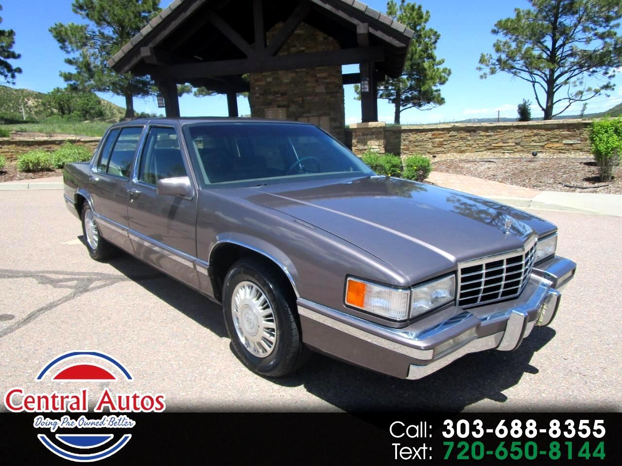 1993 Cadillac DeVille 4dr Sedan