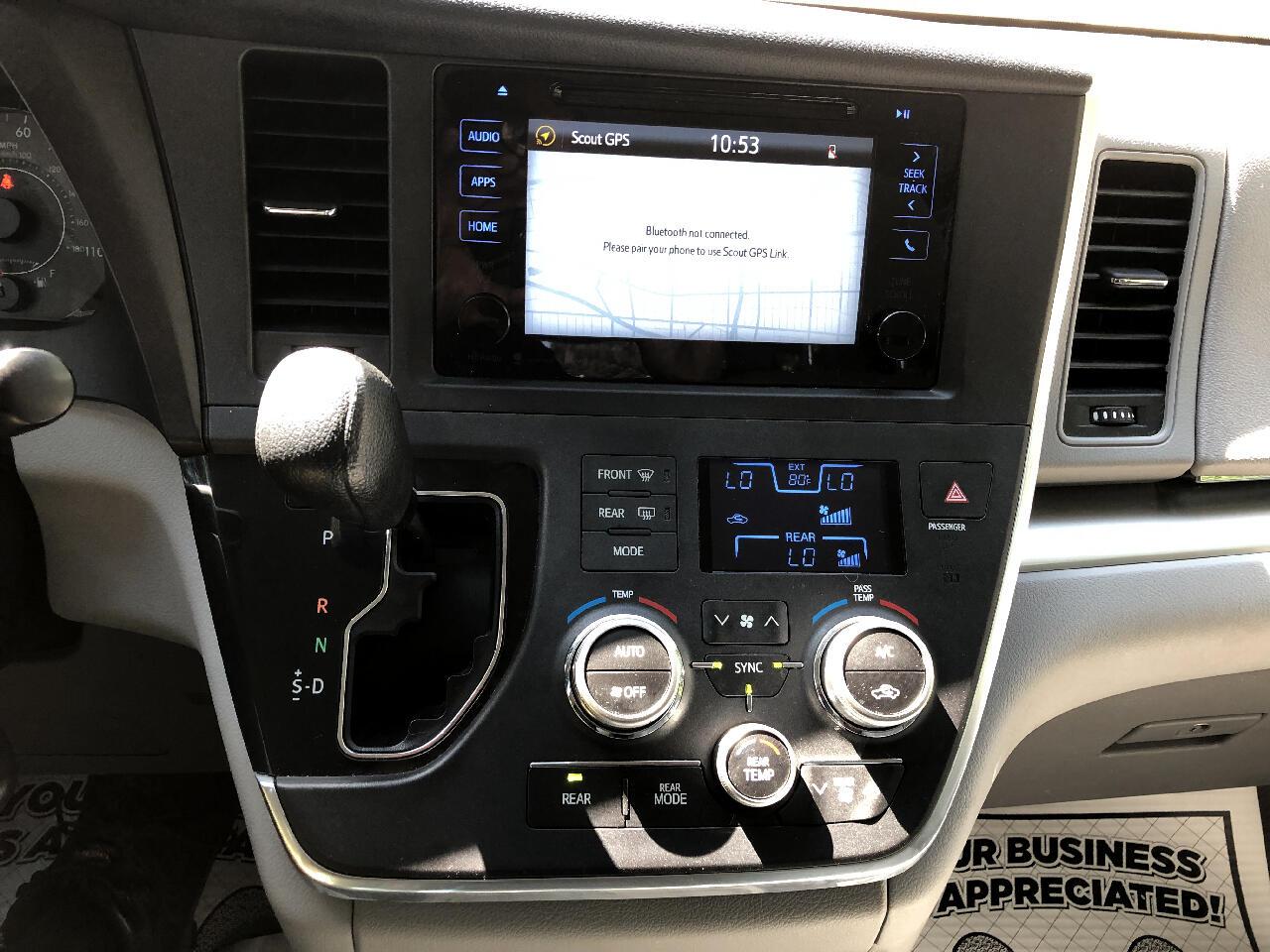 Toyota Sienna LE AWD 7-Passenger (Natl) 2017