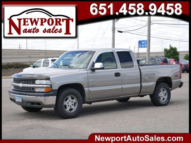 2000 Chevrolet Silverado 1500 LS Ext. Cab 3-Door Long Bed 4WD