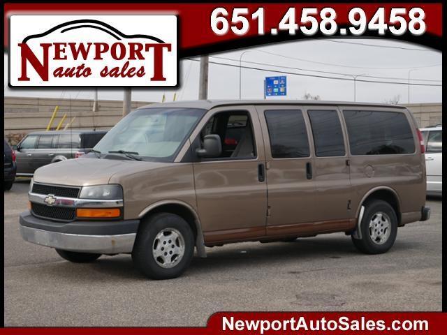2004 Chevrolet Express Passenger 1500 135