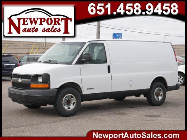 2003 Chevrolet Express Cargo Van 3500 135
