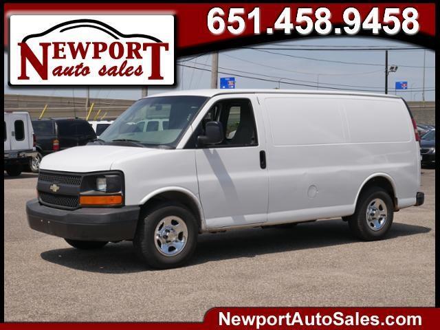 """Chevrolet Express Cargo Van RWD 1500 135"""" 2008"""