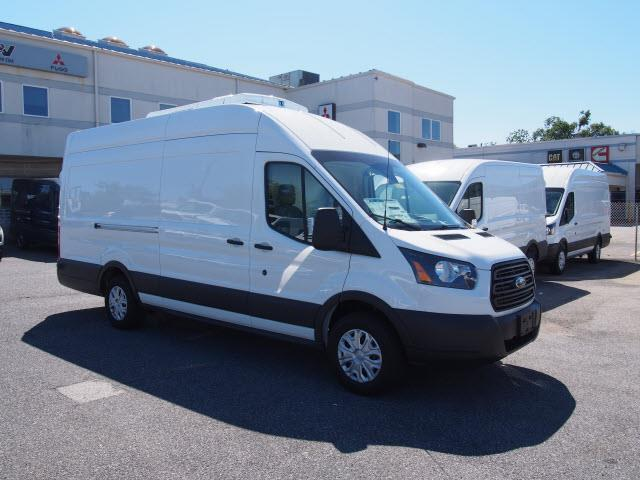 f24a9bac43ac6e 2018 Ford Transit 250 Van High Roof w Sliding Pass. 148-in. WB EL